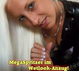 MegaSpritzer! Wetlook-Anzug lässt deinen Schwanz explodieren!