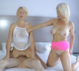 2 Mamas bumsen den Nachbarsjungen!
