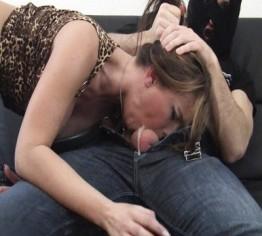 Throatjob! Brachial in den Hals gespritzt