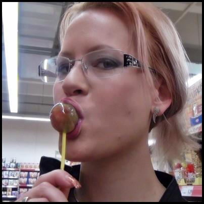 Mitten im Laden gefickt !!! Ohne Gummi !!!