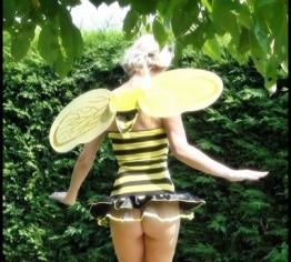 Flottes Bienchen verarscht&gefickt !!!