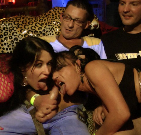PUBLIC BLOWJOB AUF DER MY DIRTY NIGHT PARTY