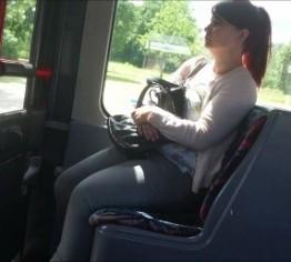 Der junge Spritzer aus dem Bus
