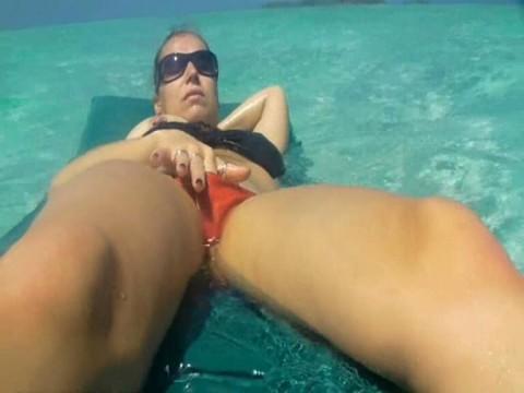 Tittenflashing im Indischen Ozean