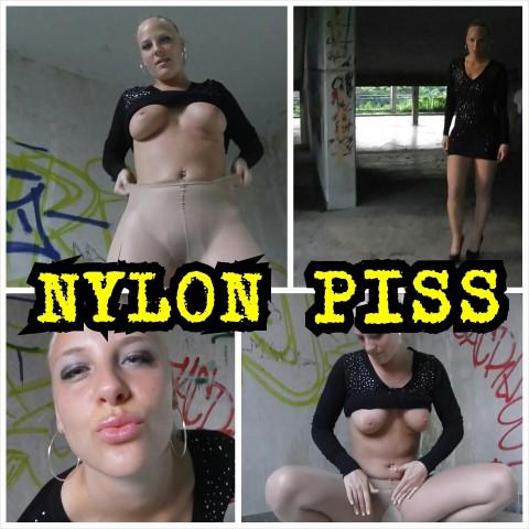 Scharfer NYLON PISS im Parkhaus