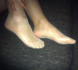 Füße riechen und lecken