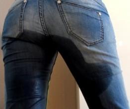 Ich hab mir in meine enge Jeans gepisst