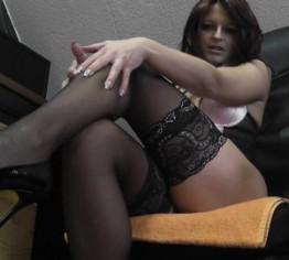 sexy in nylons und strapse