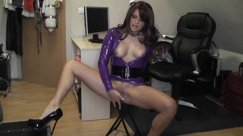 LILA LATEX