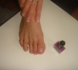 Fußnägel lackieren