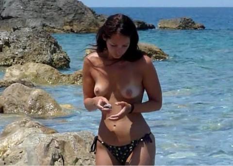 Vom Tourist am öffentlichen Strand durchgefickt worden
