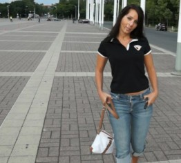 Mutprobe! Sperma-Walk vor dem Olympiastadion