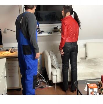 Annabel-Massina - Fremd-Fick mit Handwerker, Fotz leckt