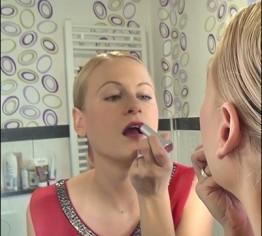 Anleitung für Sissy´s-lerne schminken u laufen!