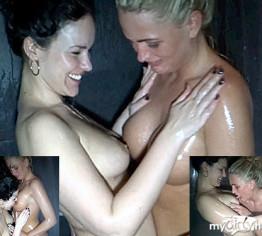 Lesben Shower!!