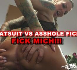 CATSUIT VS ASSHOLE FICK ! FICK MICH!!!