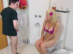 Dreist:Neffe im Bad entsaftet!!!