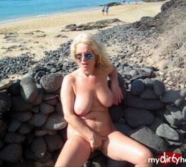 Privat! Public am Strand zum Orgasmus gefingert!