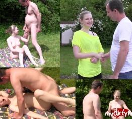 18.j Teeny erster Outdoor-Sex!!