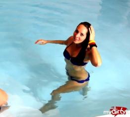 Mitten im Schwimmbad gefickt, Freistoß für Bademeister