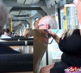 Public Strassenbahn Handjob -----
