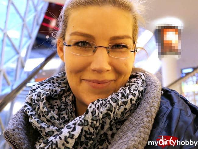 DaddysLuder - Orgasmus vor Fremden im Frankfurter